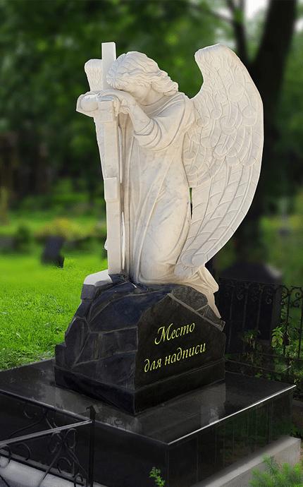 Памятник ангел с мечом из белого мрамора
